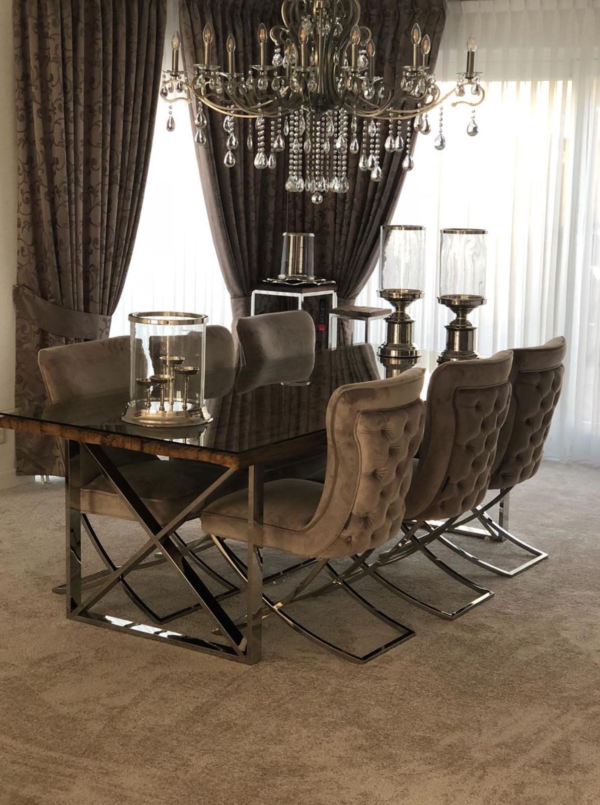 Richmond Interiors Scarlett Stoelen & Kensington eettafel
